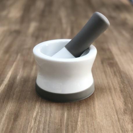 Mortero de cocina en ceramica y silicona